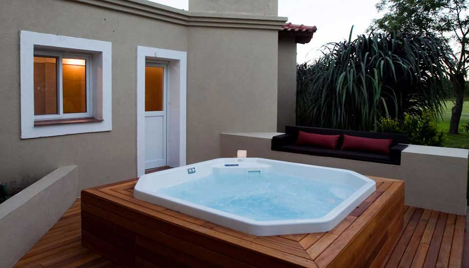 Hot Tub at Cordove Dove Lodge